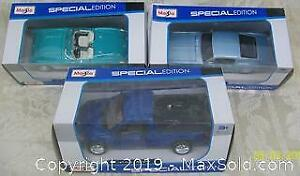 3 Classic MIB Maisto Special Edition Vehicles