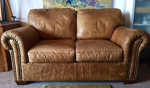Quality Leather Love Seat Couch