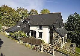 CHRISTOW- Characterful 3 Bed Barn Conversion to rent in the Teign Valley. Council tax included.