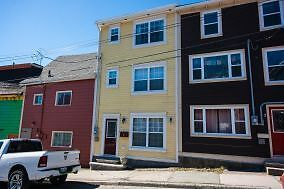 5 Wood St- Fabulous furnished 3 bed 2 bath home, Downtown