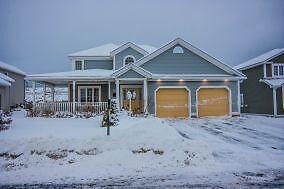 37 Cheyne Drive- Executive well maintained home in King William