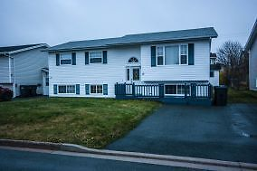 19 Edwards Place- Awesome 3 bed main floor home in Powers Pond
