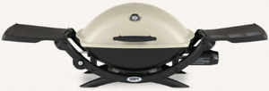 WEBER Q2000 Portable LP Grill & Stand & Cover