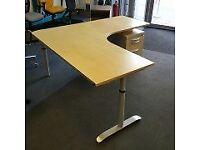 Height Settable Corner Desk
