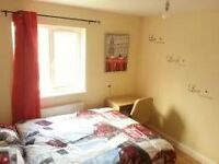DOUBLE ROOM-STREATHAM-AVILABLE FOR COUPLES