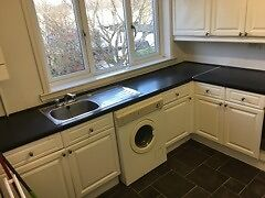 Spacious 3 bedroom flat available to rent