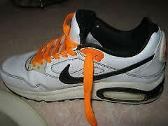 #TelusHelpMeSell - Nike Kids' Air Max Skyline Shoes - Size 6Y Kitchener / Waterloo Kitchener Area image 1