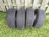 4 pneus d,hiver 175x65r15 khumo clouté ou non bon 1a2hiver$60  4