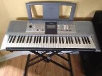 Clavier YAMAHA PSR-E323, portable keyboard