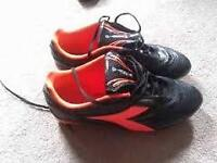 SOCCER CLEATS $25