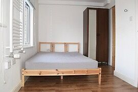 A GREAT STUDIO FLAT FOR ONE PERSON TO LET IN EAST FINCHLEY INCLUDING ALL BILLS EXCEPT ELECTRICITY