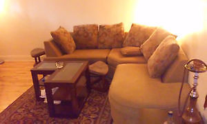 COFFEE TABLE + STYLISH 5 SEAT L SHAPE COUCH + LIVING ROO