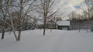 Beautiful Family Home on 2.25 H in Carlowe NB