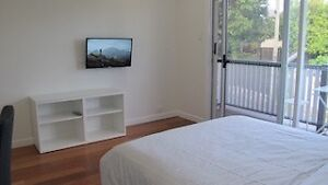4-bed luxury town house,FF,A/C,take 1 Rm  or whole house East Brisbane Brisbane South East Preview