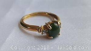 Gold Toned Ring With Green Stone Size 8