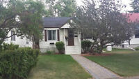 COZY GLENORA CHARACTER HOME MINUTES TO DOWNTOWN