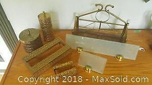 Bathroom Accessories Lot