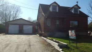 WEST END FAMILY HOME CLOSE PROXIMITY TO SCHOOLS, SHOPPING, PARKS