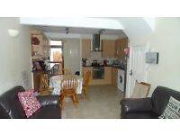 Spacious Four Bed Terrace with Three Shower Rooms off Tates Avenue