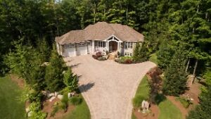 Gorgeous Oke Woodsmith Home just 2 min. south of Bayfield