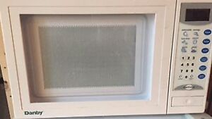 Microwave for sale in donwtown area