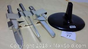 Star Wars X-Wing kitchen knife set with stand