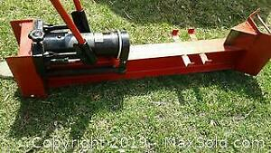 Log splitter B