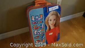 Collector Barbie suitcase w barbies