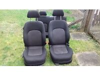 2003 VW Beetle Interior cloth seats rear and heated front seats