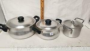 Aluminum Cooking Pots With Lids - Lot of 3 pcs - Used