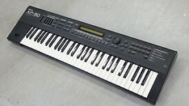 Roland XP-30 61-key performance synth with manual BUYER COLLECTS
