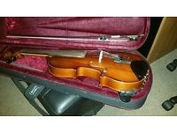Stringers Violin with case, bow, shoulder rest, rosin and music sheet stand -Absolute Mint-