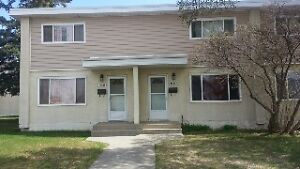 Town huose  2 story 2 bedroom basement 1 room for rent