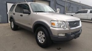 2006 Ford Explorer XLT 4x4 with Leather