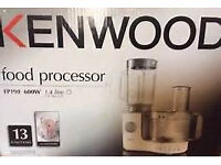 Kenwood FP196 Food Processor