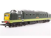 D9008 MODEL RAILWAY LIMA OO GAUGE DELTIC IN 2 TONE GREEN GLOSSED LOWER SKIRT