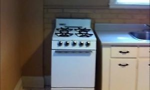 Apartment Size Gas Oven/Stove