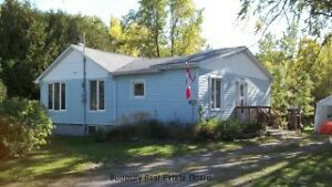WHITEFISH FALLS, On.-2+1 bedroom, 2 bath home with large yard