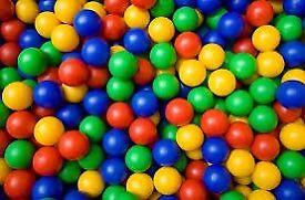 Approx 1000 Ball pit Balls