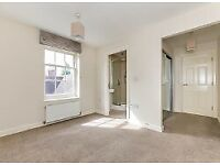 Smart 2 Bed Flat Gated Development - Redhill RH1 - Profs Only - £1175pcm