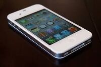 iPhone 4 8GB BELL Excellent condition.
