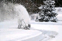 Residential snow removal 《Per Visit》《Monthly》《Seasonal》