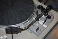 *** TABLE TOURNANTE (TURNTABLE)*** AKAI AP-B21 ***