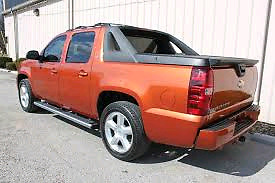 2007 Chevrolet Avanlanche LZT Fully Loaded - $8500  V8 Engine