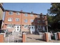 4 bedroom flat in Harley Road, London NW3