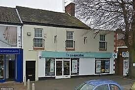 3 bedroom flat for rent in city centre Braintree - Above retail store
