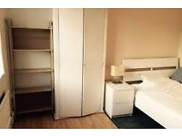 CENTRAL LOCATION, HUGE DOUBLE ROOM ALL BILLS INCLUDED