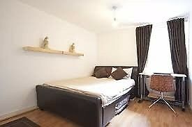 Large doublebedroom, in cozy apartment close to liverpool street! (10minutes walking)