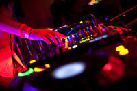 Cours de DJ complet LAVAL & RIVE NORD. DJ Course. Best in class!