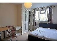 Double room in friendly flatshare- students welcome